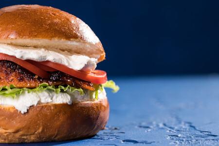 Фишбургер с лососем терияки